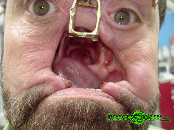 Face In Hole Naket Pictures 112