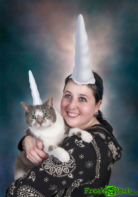 freakymart.com-woman-cat-unicorn-picture